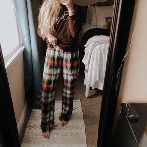 Old Navy Christmas Plaid Pajama Pants